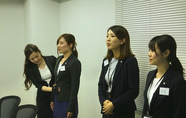 S&Eパートナーズビジネスマナー研修 腹式呼吸の練習